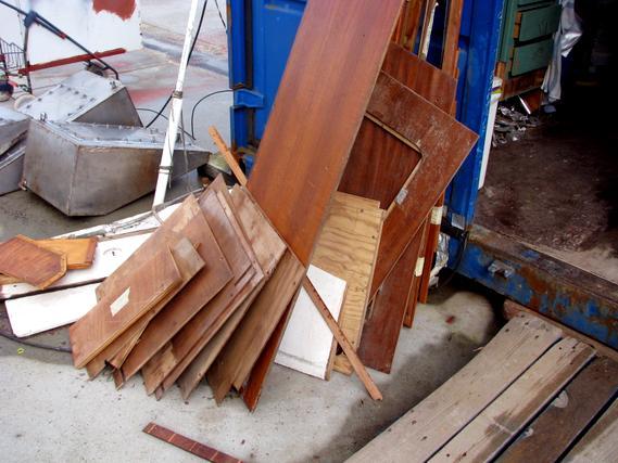 Restholz für den Müll
